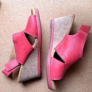 Collection by Clarks Hello Float Red Suede Sandal